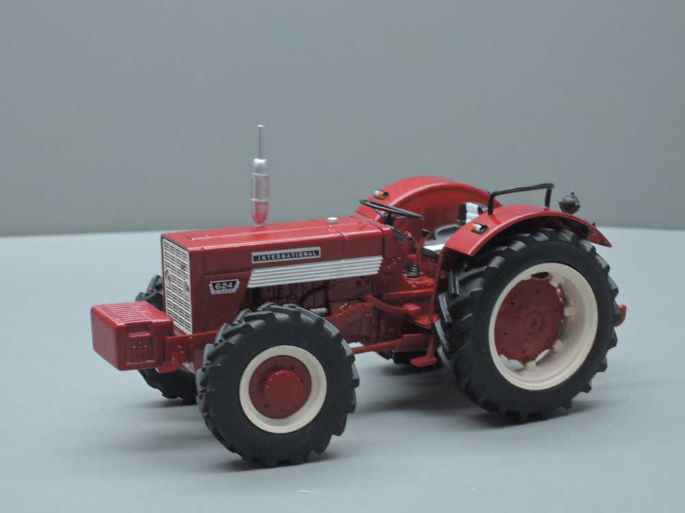INTERNATIONAL HARVESTER 624 4X4