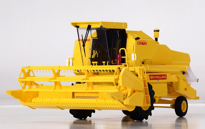 NEW HOLLAND	- HARVESTER NEW HOLLAND 8070