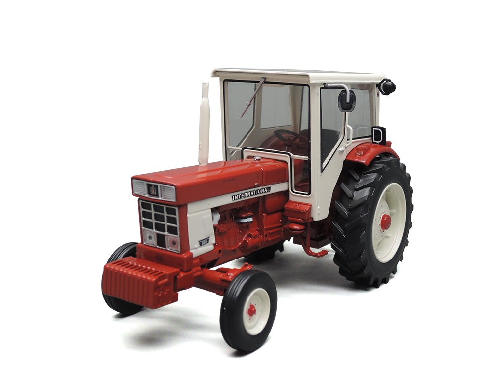 INTERNATIONAL HARVESTER IH 946