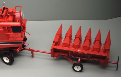 IH - 853F - PACK CORN PICK UP AND TRAILER - REP131