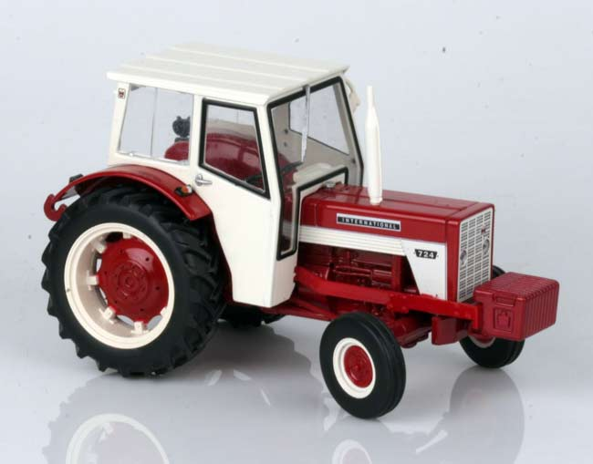 INTERNATIONAL HARVESTER 724
